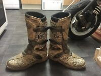 Size 7 SHOT SRG K 10 motorcross boots