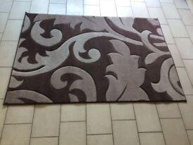 Damask Swirls - Natural. 110cm x 160cm