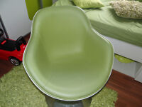 white green leahter rotating chair