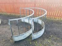 Fully galvanised sheep calf round bale ring feeder for hay silage etc