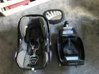 Maxicosi Cabriofix car seat & easyfix base