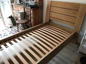 Single bed. Oak.