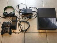XBOX ONE 500GB CONSOLE WITH GAMES AND EXTRAS
