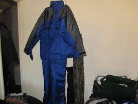 Avanti two piece thermal blue-grey fishing suit, unused in rapping xl.