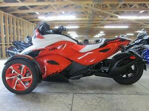 2015 Can-Am Spyder® ST-S - SE5 London Ontario image 3