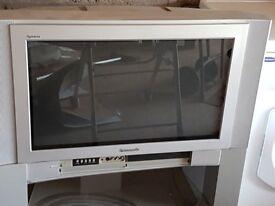 Panasonic Quintix TV and TV stand 70 cm screen