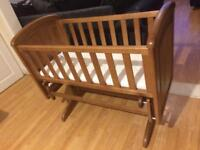 Troll Nicole Nursery Baby Gliding Crib Antique Wood Finish Excellent Condition