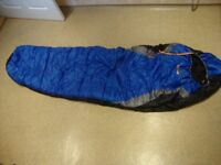 VANGO POLYESTER HOLLOWFIBRE SLEEPING BAG WITH HOOD