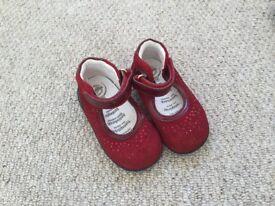 Girls Primigi red shoes EU size 20