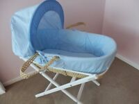 MOSES BASKET FOR BABY BOY WITH WHITE FOLDING STAND PLUS 2 BLUE SHEETS ALL BRAND NEW