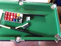 4' snooker table
