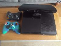 Xbox 360 console + 2 Controllers + Kinect (250Gb)