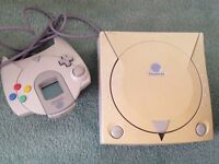 Dreamcast console, keyboard, 6 games & controller