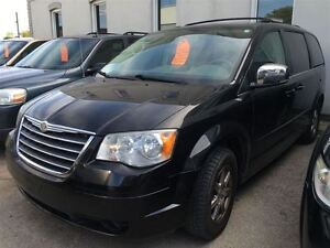 2008 Chrysler Town & Country Touring CALL 519 485 6050 CERT AND