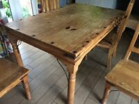 Pine Kitchen Table & 4 Matching Chairs