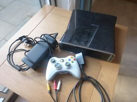 XBox 360 (black) with white controller (USED)