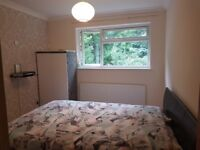 PRIVATE LANDLORD Room to rent Pound Hill