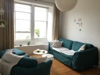 Festival Let: Bright and spacious 1 Bedroom Flat, centrally located