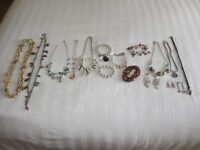 Costume jewellery for sale. 16 pieces in total - £10.00
