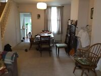 2 Bed Renovated Terraced House, South facing garden, 300m from Train Station