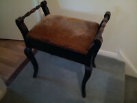 Traditional/Antique Wooden Piano Stool
