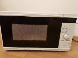 Tesco Solo Microwave MT08 White 17L