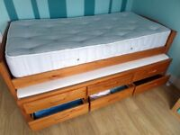 ANTIQUE SOLID PINE SINGLE BED WITH 3 STORAGE DRAWERS