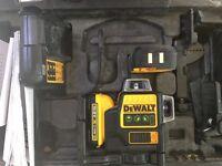 Dewalt self levelling multi line laser with receiver