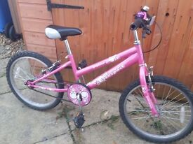Girls Bike suitable for ages 5/6/7 (approx)