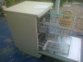 Dish Washer ((hotpoint)