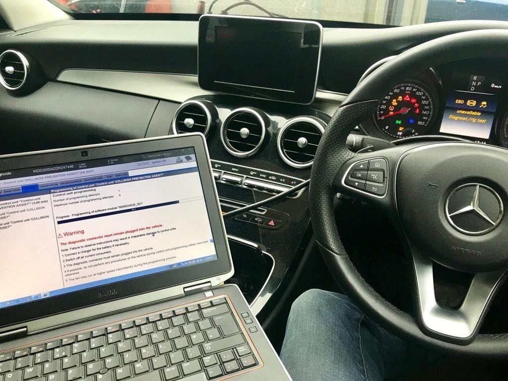 Car Auto repair specialist auto electrician mobile