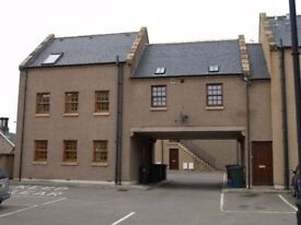 Elgin, west side. Very nice 2 - bed apartment (unfurnished) - £525 pm