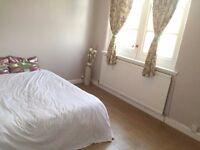 BRIGHT Double Room In EDMONTON - Great Links To VICTORIA LINE & LIVERPOOL STREET!