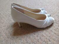 White size 7