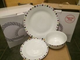 Used Dinner sets 2 X 12 piece (1 piece missing)