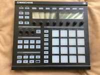 Native Instruments MAschine MK1 controller Drum Machine sampler immaculate