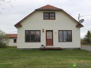 125 000$ - Maison à un étage et demi à vendre à Caplan