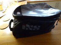 Large IXS Expandable, Magnetic Tank Bag