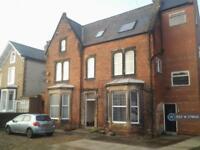 2 bedroom flat in Avenue Road, Scarborough, YO12 (2 bed)