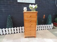 SOLID PINE FARMHOUSE TALL CHEST OF DRAWERS VERY SOLID SET AND IN EXCELLENT CONDITION 46/39/97 cm £50