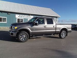2012 Ford F-350 Lariat,DIESEL,4X4,LEATHER,SUNROOF,LOADED!!