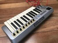 Midi Keyboard Evolution Mk225 portable