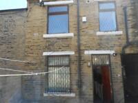 2 bedroom house in Turner Place, Bradford, BD7