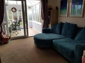 Two bedroom House to Let in Horsham with conservatory