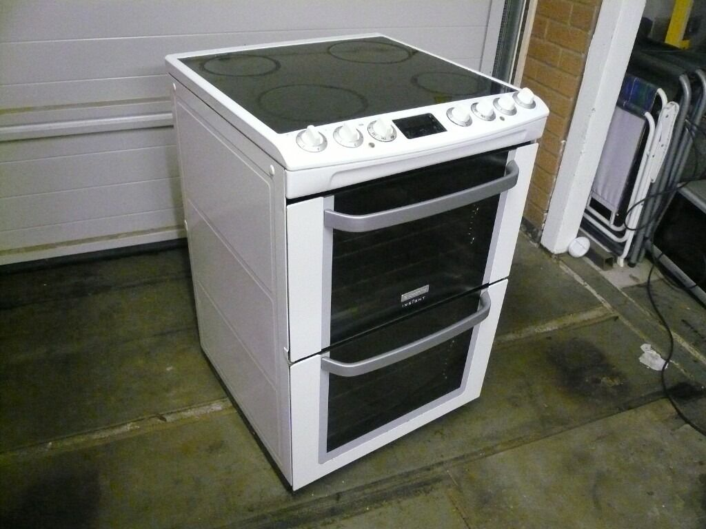 Electric Cookers Freestanding ~ Electrolux freestanding electric cooker double oven with