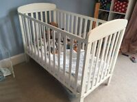 Mamas and papas white cot