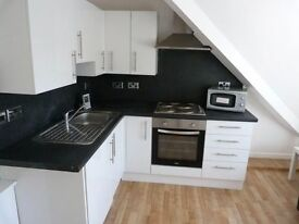 IMMACULATE MODERN 2 BED FLAT ON COLUM ROAD CATHAYS ONLY £750 PCM. IDEAL FOR STUDENTS AVAIL JULY 2017