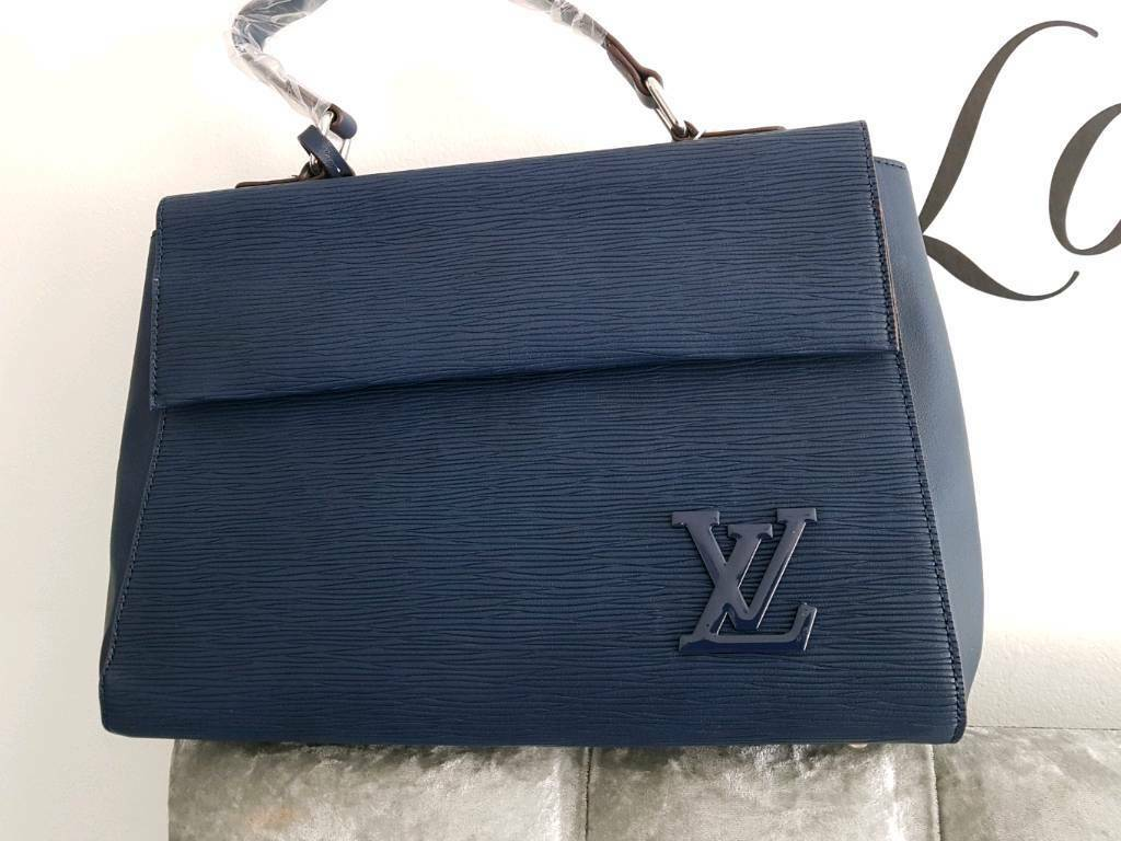 5e072f5f928d Louis vuitton cluny handbag navy blue