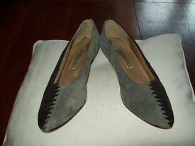 Vintage black and grey small heel court shoes size 6