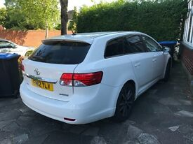 Toyota Avensis (automatic) with 3 yr warranty and low mileage
